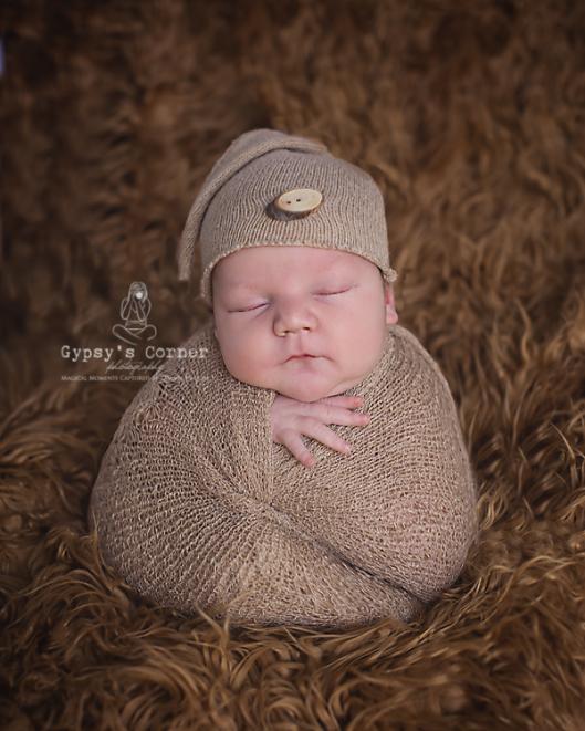 WNY Newborn Photographer | Gypsy's Corner Photography | www.gypsyscornerphotography.com