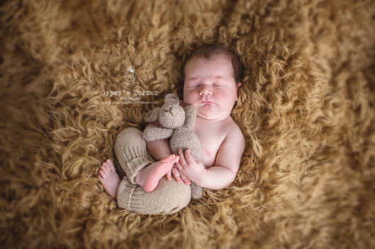 WNY Newborn Photographer | Gypsy's Corner Photography | www.gypsyscornerphotography.com