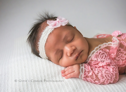 buffalo-nnewborn-and-baby-photographer-newborn-baby-girl-in-pink-gypsys-corner-photography-24web