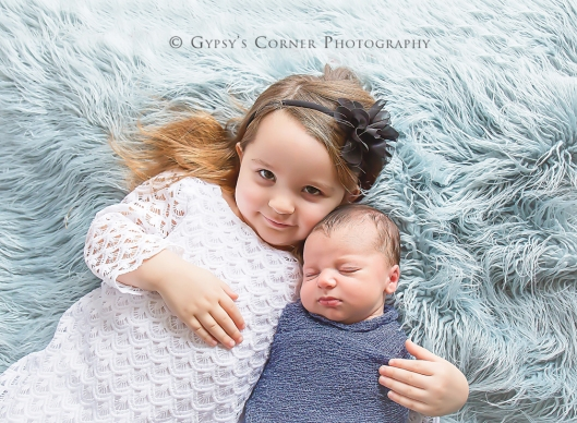 Buffalo Newborn Photographer| Big Sister |Gypsy's Corner Photography