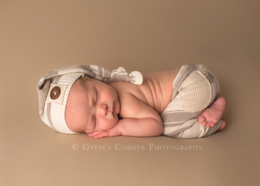 Buffalo baby Photographer|cute baby boy with sleepy hat|Gypsys Corner Photography-23Web